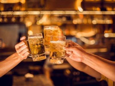 cheers-group-beer-mug-young-men-brew-beer-glasses-celebrate-their-success_61243-130